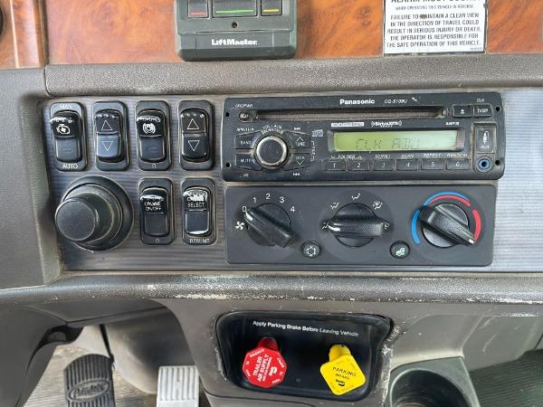 Used-2008-Peterbilt-367-Day-Cab---Cummins-ISX---10-Speed-Manual
