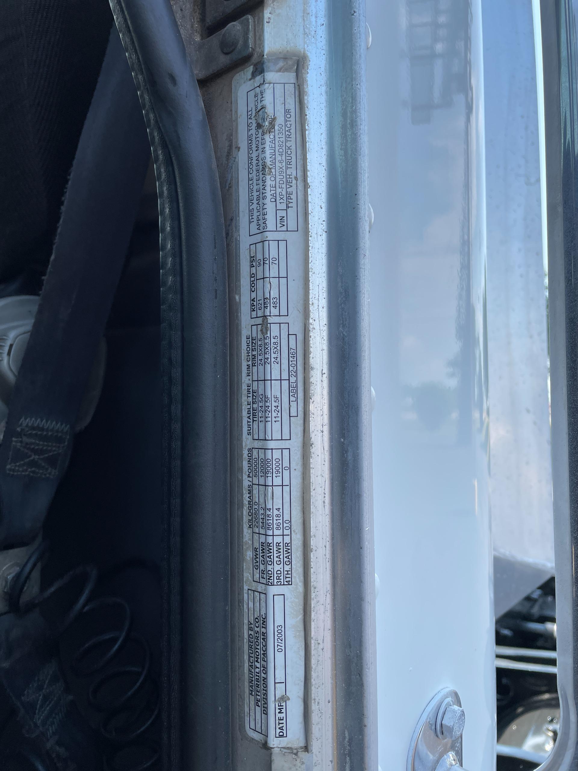 Used-2004-Peterbilt-378-Day-Cab---Cat-Turbo-Diesel---13-Speed-Manual---Wet-Kit---LOW-MILES