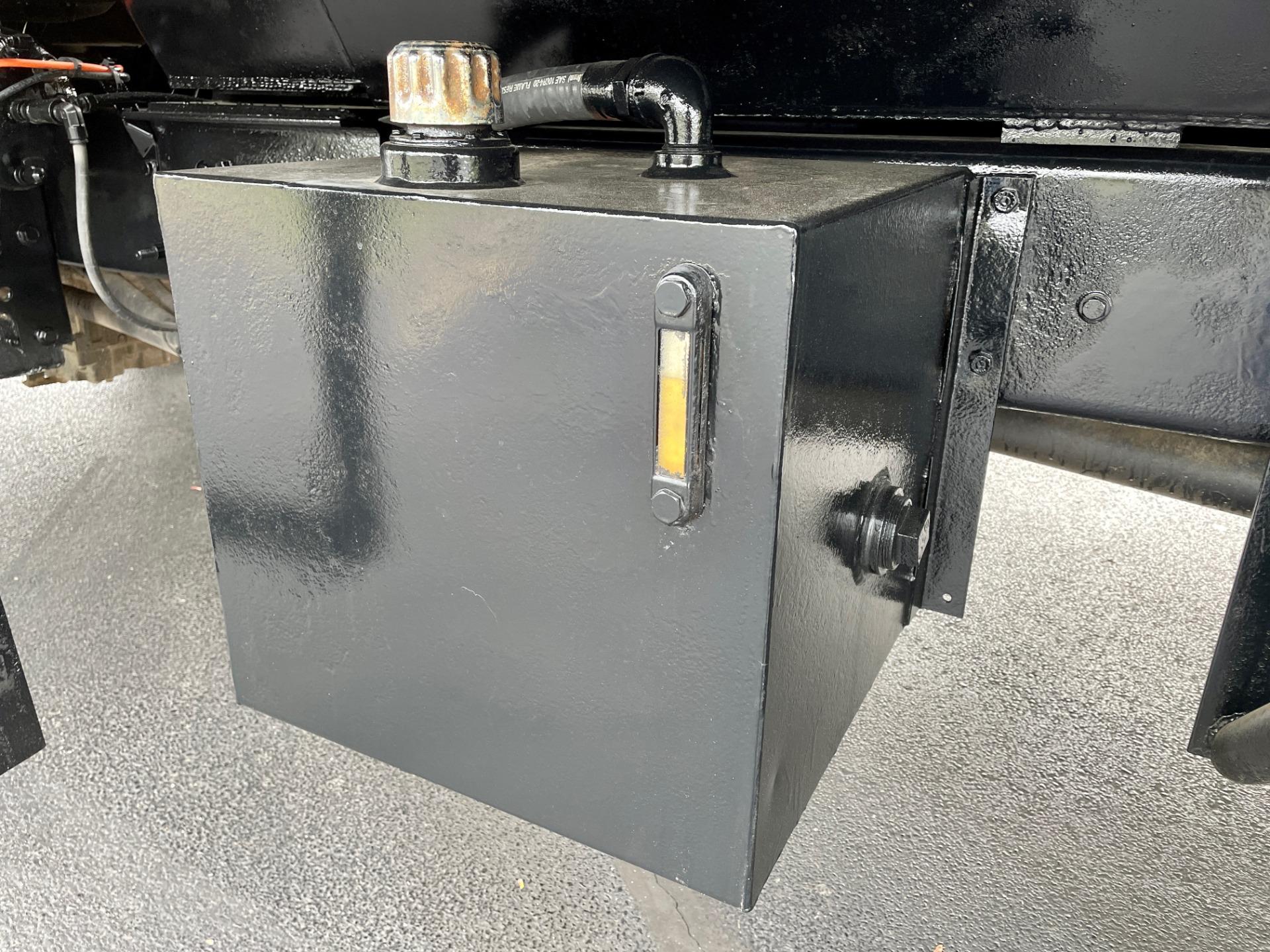 Used-2007-Ford-F750-Super-Duty-Dump-Truck---CAT-DIESEL---Automatic---SUPER-CLEAN