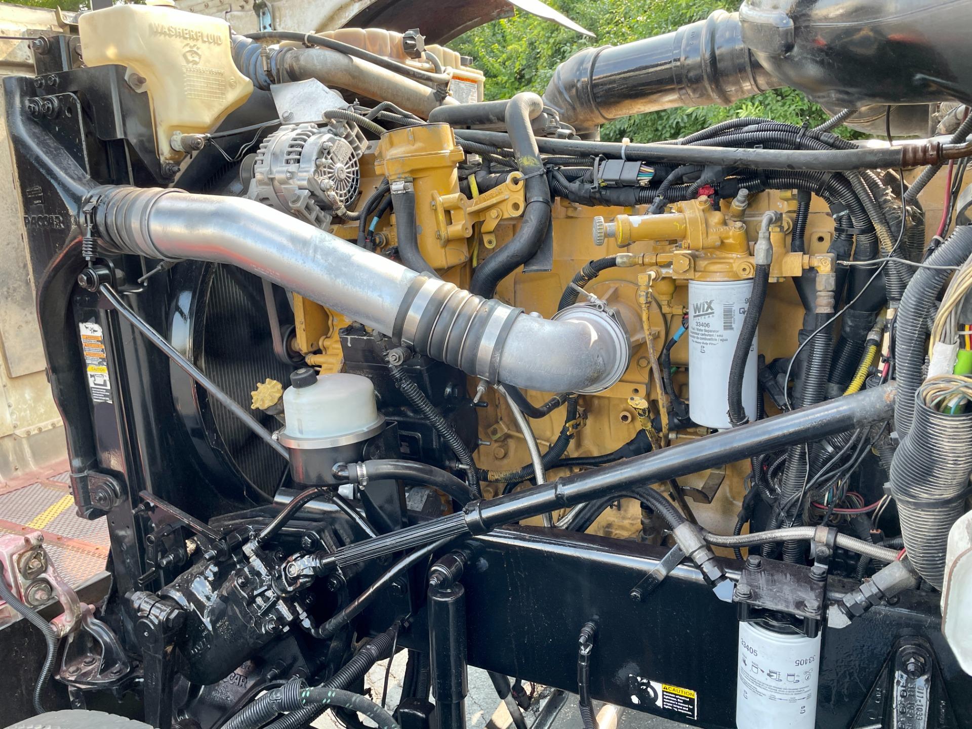 Used-2008-Peterbilt-388-Sleeper-Cab---C15-ACERT---13-Speed---WET-KIT
