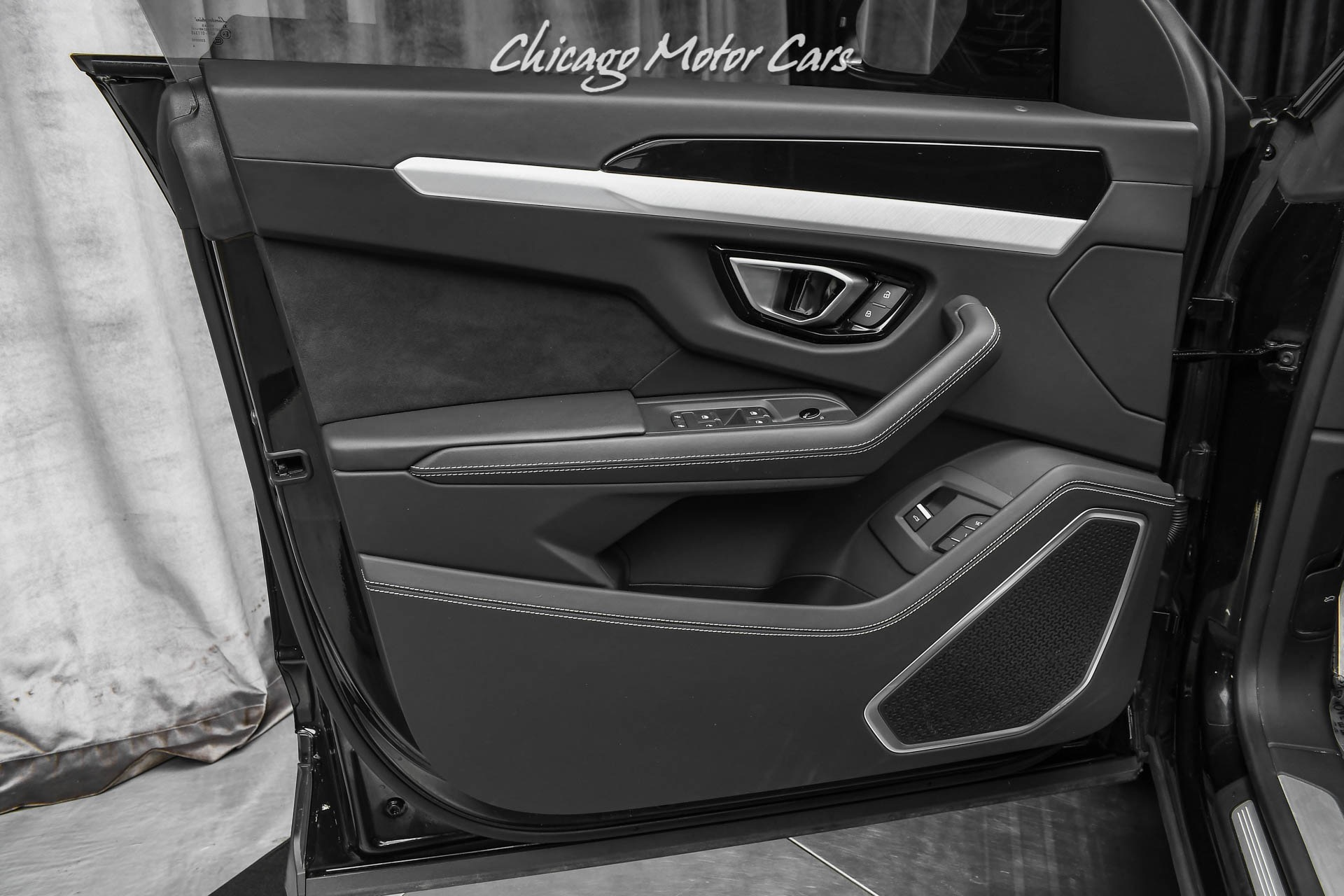 Used-2020-Lamborghini-Urus-Full-ADAS-Package-Akrapovic-Exhaust-Q-Citura-Stitching-Loaded