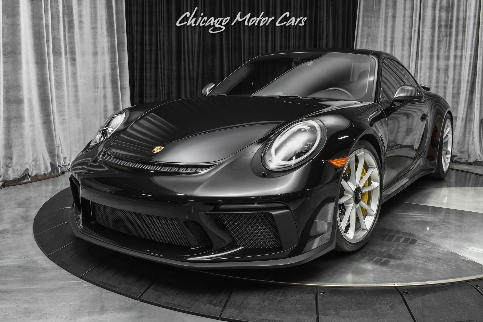Used-2018-Porsche-911-GT3-Touring-Coupe-PCCB-6-Speed-Manual-Transmission-18-Way-Sport-Seats