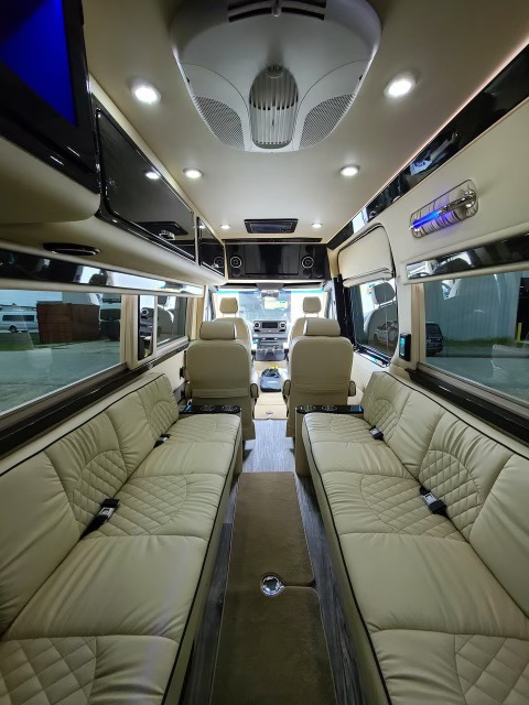 Used-2021-Mercedes-Benz-Sprinter-3500-Built-by-Ultimate-Toys-RARE-4x4-Loaded-ShowerBathroom-MSRP-220k