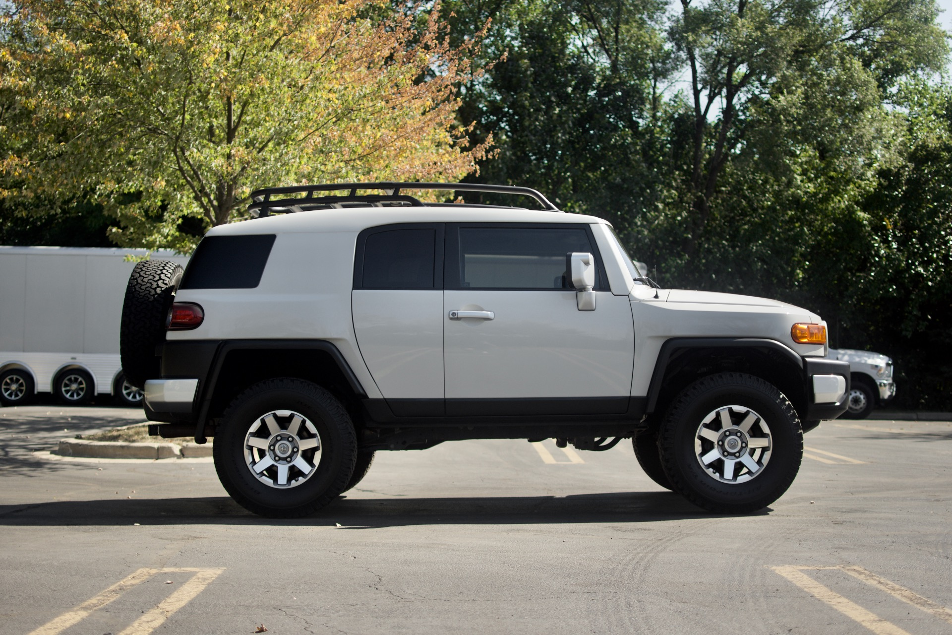 Used-2014-Toyota-FJ-Cruiser-SUV-6-Speed-Manual-Only-29k-Miles-Perfect-Condition-UPGRADES