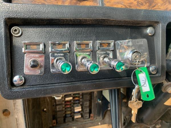 Used-1997-Kenworth-W900-Sleeper---Detroit-Diesel---485-HP---13-Speed---RECENT-INFRAME