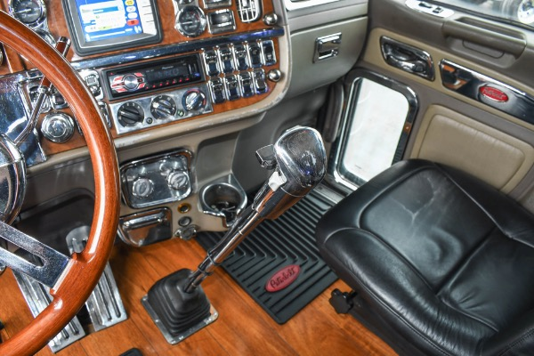 Used-2008-Peterbilt-389-Sleeper---ISX15---600-HP---18-Speed---40K-Rears