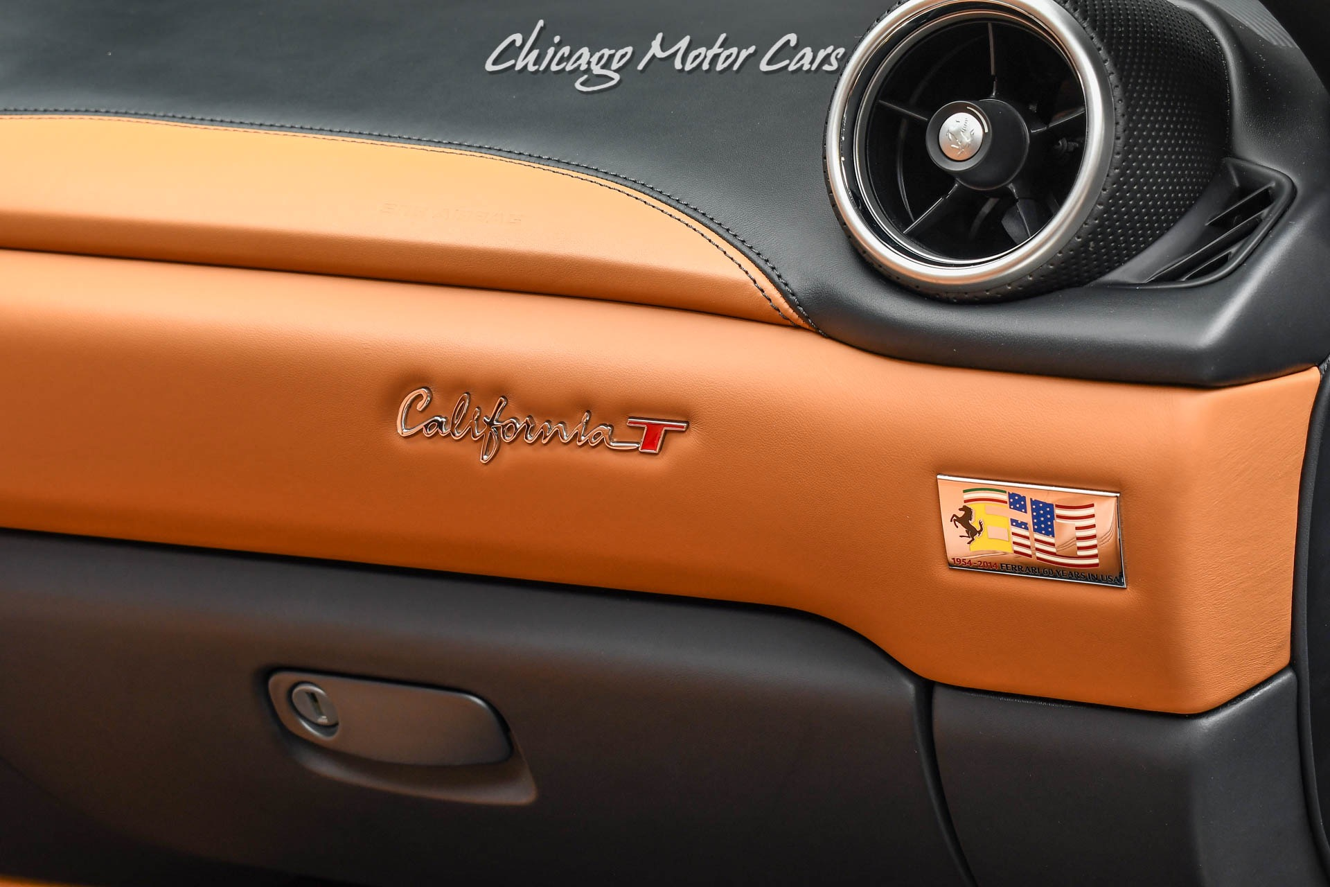 Used-2015-Ferrari-California-T-Fully-Electric-Heated-Seats-Scuderia-Shields-Hot-Color-Combo